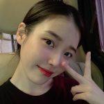 歌手IU(アイユー)、ファン心を狙撃する美貌に茶目っ気まで