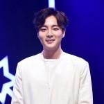 【公式】歌手ロイ・キム、6月15日に入隊…海兵隊に志願し合格