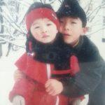 トン・ヒョンベ、弟SOL(BIGBANG)の誕生日をお祝い…かわいい子ども時代の写真を公開