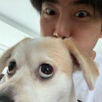 2PMテギョン、愛犬とそっくりな表情で楽しい近況公開
