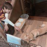 <トレンドブログ>パク・ジフン、子犬に向かってのびた手とあひる口のかわいい表情