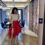 女優ハン・イェスル、破格のウェーブヘア&すらりとした脚線美で致命的な魅力