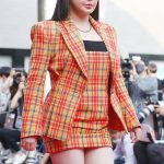 BOM(元2NE1)、「大鐘賞映画祭」でのふっくらした姿が話題「整形NO…少し太っただけ」