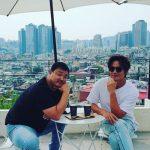 歌手ソン・シギョン、人気ユーチューバーとほのぼのとした休息