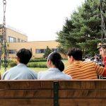 キム・スヒョン、ドラマ撮影のビハインド公開…MmMトリオの後ろ姿