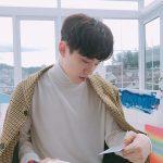 2PMジュノ、冬の雰囲気と共にファンにあいさつ…少年のような無邪気さにとろける乙女心