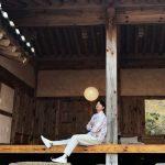 コン・ユ、広告撮影ビハインドカット公開…韓国伝統家屋で風流な姿を公開