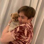 2PMニックン、子犬を抱きしめた愛らしい姿公開…たくましい腕が男らしい