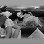 "「CNBLUE」イ・ジョンシン、愛犬と幸せな時間…""全知的おばあちゃん視点"""