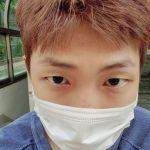 BTS(防弾少年団)RM、ジョーク溢れる姿の近況ショット!明日(5日)BTSの魅力を伝える日本特番放送に期待