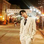 俳優ユン・ヒョンミン、素敵なスーツ姿を公開…オールホワイトもよく似合う