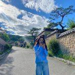女優キム・ヒソン、空から舞い降りた?=空と色を合わせた服装で女神のような写真を公開