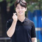 「PHOTO@ソウル」ユン・シユン、猛暑も吹き飛ばす涼しい笑顔…ラジオ放送出演