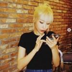 """43kg""タレントのイ・セヨン、金髪でアイドル顔負け…日本人の彼氏もメロメロの美貌"