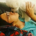 <トレンドブログ>歌手ソン・シギョン、キス魔な子犬トゥブと週末デート…愛しそうなまなざし