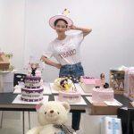 女優ソン・ジヒョ、ファンのプレゼントに囲まれて幸せな39歳の誕生日..そっくりさんのNUCKSALも祝福