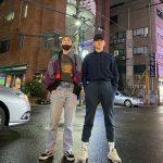 """キー(SHINee)、除隊を控えたチャンソプ(BTOB)と凛々しい""""ストリート友情ショット""""を公開"""