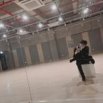 歌手イ・ジンヒョク、顔も心も熱心に仕事中…「なんでもしなきゃ! 」