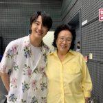 チョン・イル、「思いっきりハイキック!」で共演したナ・ムニとのほのぼのツーショット公開「おばあちゃん、健康でいてください」