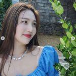 """「Red Velvet」ジョイ、お笑い芸人パク・ミョンスが撮った""""休暇ルック""""披露"""