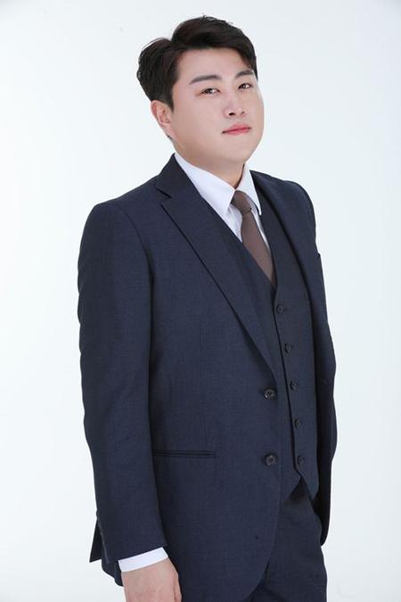 歌手キム・ホジュン側、共に不法賭博を行ったA氏との通帳取引の内訳を公開