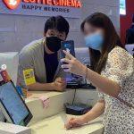 俳優チョン・ウソン、映画館のチケット売り場のアルバイトに挑戦