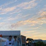 チェ・ウシク、親友パク・ソジュンとのツーショット公開…飾り気のない明るい笑顔