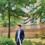 パク・ボゴム、モデルそのもののファッショナブルな姿…ドラマ「青春の記録」のビハインドカット公開
