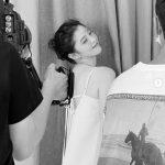 女優ハン・ソヒ、清楚な振り向き美背中ショットで近況報告…輝く存在感でいつの間にか広告クーイン