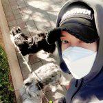 キム・ヒョンジュン(リダ)、愛犬とのデート現場公開…マスクをしてもかっこよさはそのまま