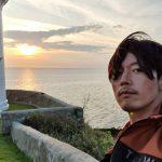 俳優チャン・ヒョク、海をバックに久しぶりに近況公開...ナチュラルだけどイケメン
