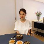 <トレンドブログ>女優イ・ヨニ、新居で食卓認証ショット…さわやかな新妻