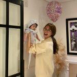 """女優ヤン・ミラ、娘のような息子の美貌に""""娘みたいと言われ…ヤン・ミラの息子は極限職業"""""""