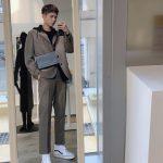 俳優パク・ボゴム、入隊前に撮った「青春の記録」撮影当時の姿…鏡の中の長身スタイル
