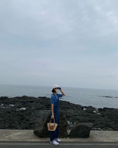 女優ハン・ジヘ、済州島での近況を公開「マスクは必ず」