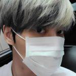 キム・ジェジュン、強烈なまなざしで魅力アピール…マスクでも隠せない輝くビジュアル