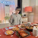 """キム・ジェジュン、ライブ放送を終えてファンにあいさつ…""""みなさんに、たくさん笑ってほしくて…"""""""
