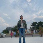 CNBLUEイ・ジョンシン、小顔と脚の長さに視線集中…完璧なモデルスタイル