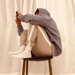 チャン・グンソク、丸椅子での三角座りでキュートさアピール…さりげないソックスイン