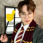 "2PMニックン、ハリー・ポッターの姿で""Happy Halloween!""…手には魔法のフィンガースティック?!"