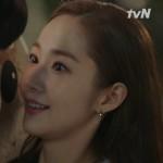 ≪韓国ドラマREVIEW≫「キム秘書はいったい、なぜ」3話…ケガしたヨンジュンを介抱するミソ、胸キュンシーンの舞台裏(動画あり)