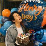 <トレンドブログ>ヘンリー、誕生日祝いに感動…爽やかな少年のようなかわいさ
