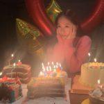 <トレンドブログ>クリスタル、誕生日ケーキの前でかわいい魅力…ケーキがいったいいくつ?(動画あり)