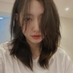 女優パク・シネ、乱れた髪の間から女神のような美貌…「エクステ外してしまった」