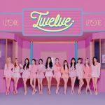 「IZ*ONE」、日本1stアルバム「Twelve」発売!ポップアップストア&コラボカフェも開催中