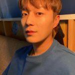 """<トレンドブログ>「Highlight」ユン・ドゥジュン、彼氏ショットのお手本…見る瞬間胸が""""ドゥジュンドゥジュン"""""""