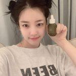 女優キョン・ミリの娘イ・ユビ、ツインお団子ヘア…秘訣はホームケア?