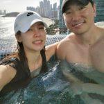 ラッパーRhymerとアン・ヒョンモ、結婚3周年を祝うプールデート!