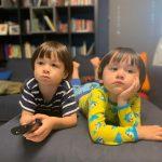 """<トレンドブログ>ベントレーくん、兄ウィリアムくんがテレビ独占して""""お兄ちゃんのいうことをよく聞かなければ"""""""