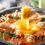 【情報】チーズタッカルビ鍋やトッポギも!お取り寄せで手軽に楽しむ鍋セットが人気!7ヶ国8種の「世界のごちそう鍋」販売数 昨対比200%!